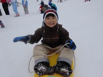 うさぎ雪遊び (6)